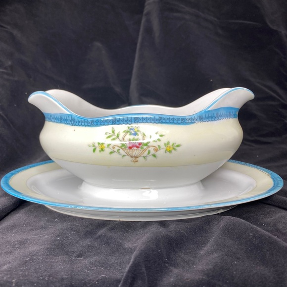 UCAGCO Other - Vntg 1950's UCAGCO China Hand Painted Gravy Boat